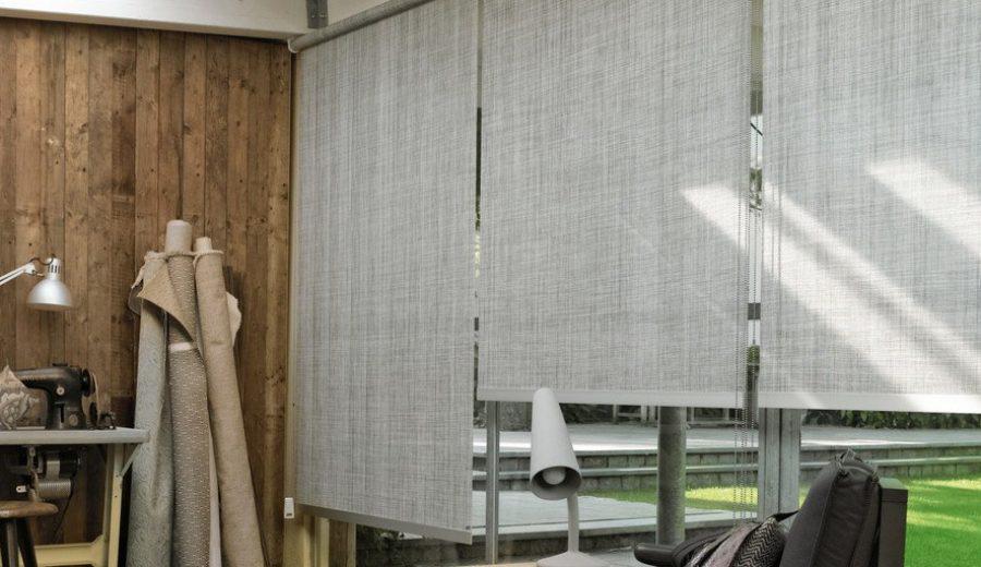Рулонные шторы в интерьере.